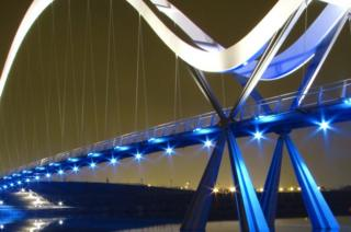 River Tees'de bulunan 'Sonsuzluk Köprüsü'