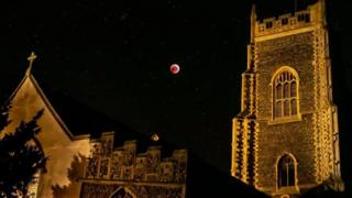 Super blood wolf moon and church