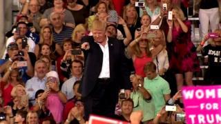 Trump yavuze ko abanyamakuru bahisha ukuri