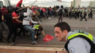 Brezilya'da kemer sıkma önlemleri protestoları