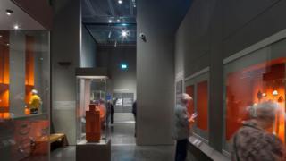 Sala de exhibiciones en la nueva extensión del museo británico