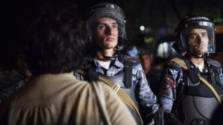 Полиция на улице Хоренаци в Ереване