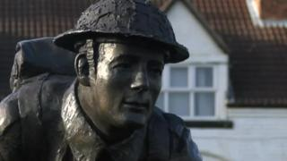 Statue of D-Day VC hero Stan Hollis