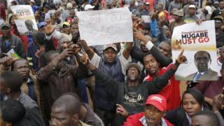 Pawai anti Mugabe