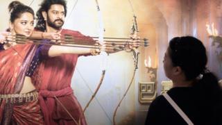 विवियन चाहती हैं कि बाहुबली के हीरो प्रभास शंघाई ज़रूर आएं.