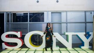Mo Abudu for Sony Office as if she wan start to dance