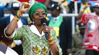 Mme Mugabe a révélé qu'elle encourage son mari à désigner son successeur.