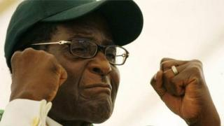 Robert Mugabe a déclaré à la chaîne sud-africaine SABC que son successeur, Emmerson Mnangagwa, n'aurait jamais pu devenir président sans le soutien de l'armée.