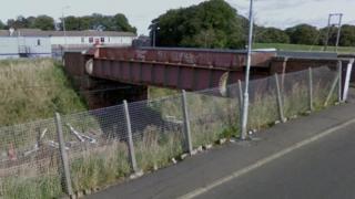 Rail line by Whitelees road