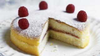 Rasberry sponge cake