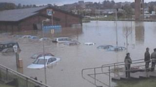 Mold floods, 2000