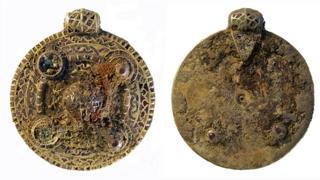 Anglo-Saxon pendant