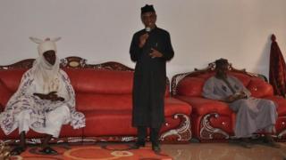 Gwamnan Jihar Kaduna Malam Nasir El Rufai yayin da yake jawabi a fadar Sarkin Jama'a Alhaji Muhammadu Isa Muhammadu
