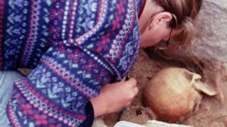 Excavation of Iron Age burial site on Lewis