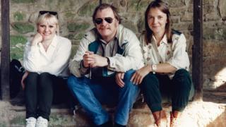 Heather, Mike a Jane, aelodau Hin Deg