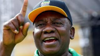 Cyril Ramaphosa gestures at an election rally of the ruling African National Congress (ANC) in Port Elizabeth, South Africa (April 16, 2016)