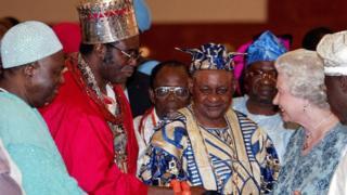 Queen Elizabeth ll meet some Nigeria kings for Abuja in 2013