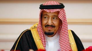Umwami Salman wa Arabia Saudite yirukanye samuragwa wiwe