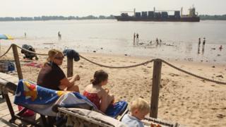 Wedel beach