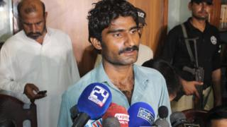 Waseem (C) the brother of slain Pakistani social media celebrity Qandeel Baloch, is presented to media by the Police after his arrest in Multan, Pakistan, 17 July 2016