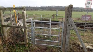 Tibberton No. 8 footpath crossing