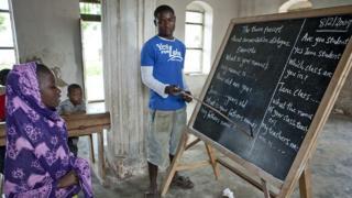 Dans une salle de l'école Mikindani