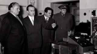 Посета Винчи 1995. године: Тито, Павле Савић, Кардељ и Гошњак