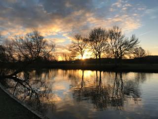 The sunrise along the Thames in Abingdon