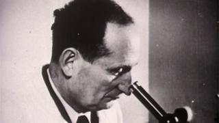 o médico Yakov Rapoport