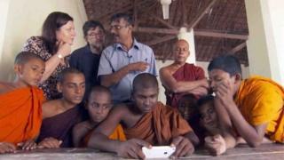 Sian Morgan Lloyd yn gohebu i'r Byd ar Bedwar yn Sri Lanka