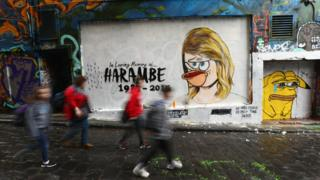 Taylor Swift or 'Smith' mural defaced in Melbourne