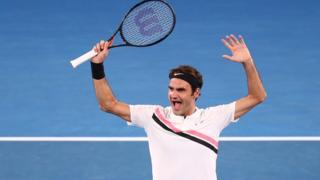 Federer célébrant sa victoire lors de la finale de l'Open d'Australie.