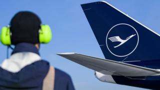 Lufthansa worker