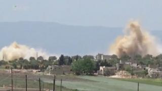 تصویری از حمله هوایی در استان حما