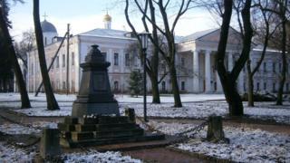 У Чернігові викрали бронзове погруддя Пушкіна