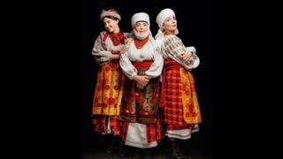 Ада Роговцева з донькою Катериною Степанковою і онукою Дашею