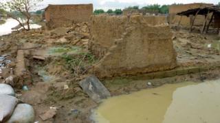 House wey flood don destroy
