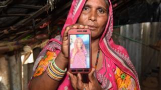মোহিনি দেবি নাথ: গুজব ছড়িয়ে তার বোনকে আহমেদাবাদে পিটিয়ে মারা হয়েছে