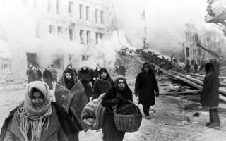Люди в осажденном Ленинграде