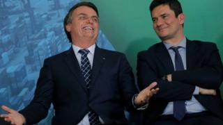 O que Bolsonaro e Moro ganham ou perdem com um eventual 'divórcio'