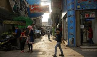 Street scene in Bourj el-Barajneh regufee camp (Oct 2018)