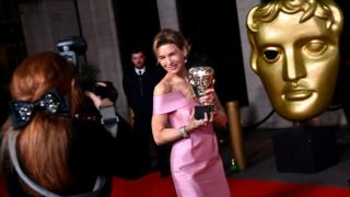 hollywood Renee Zellweger with her Bafta for Judy