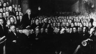 1840'da Londra'daki Büyük Salon'da gerçekleşen kölelik karşıtı sempozyumda kölelik karşıtı aktivist Thomas Clarkson konuşuyor.