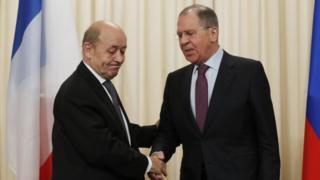 وزرای خارجه روسیه و فرانسه هردو بر اهمیت اجرای توافق هسته ای با ایران تاکید کردهاند