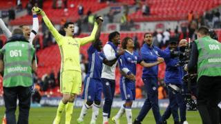 Chelsea vui mừng sau khi thắng Tottenham Hotspur