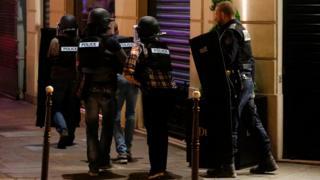 Policiais em Paris