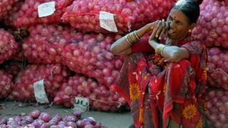 कांदा व्यापारी महिला