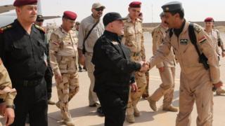 """İbadi, IŞİD'den """"kurtarıldığı"""" açıklanan ülkenin en büyük ikinci kenti Musul'a gitti"""