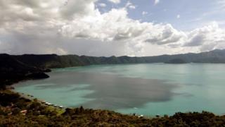 Lago de Coatepeque.