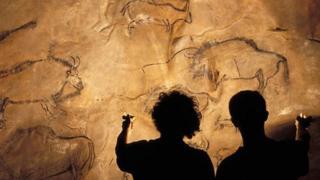 ภาพวาดบนผนังถ้ำ